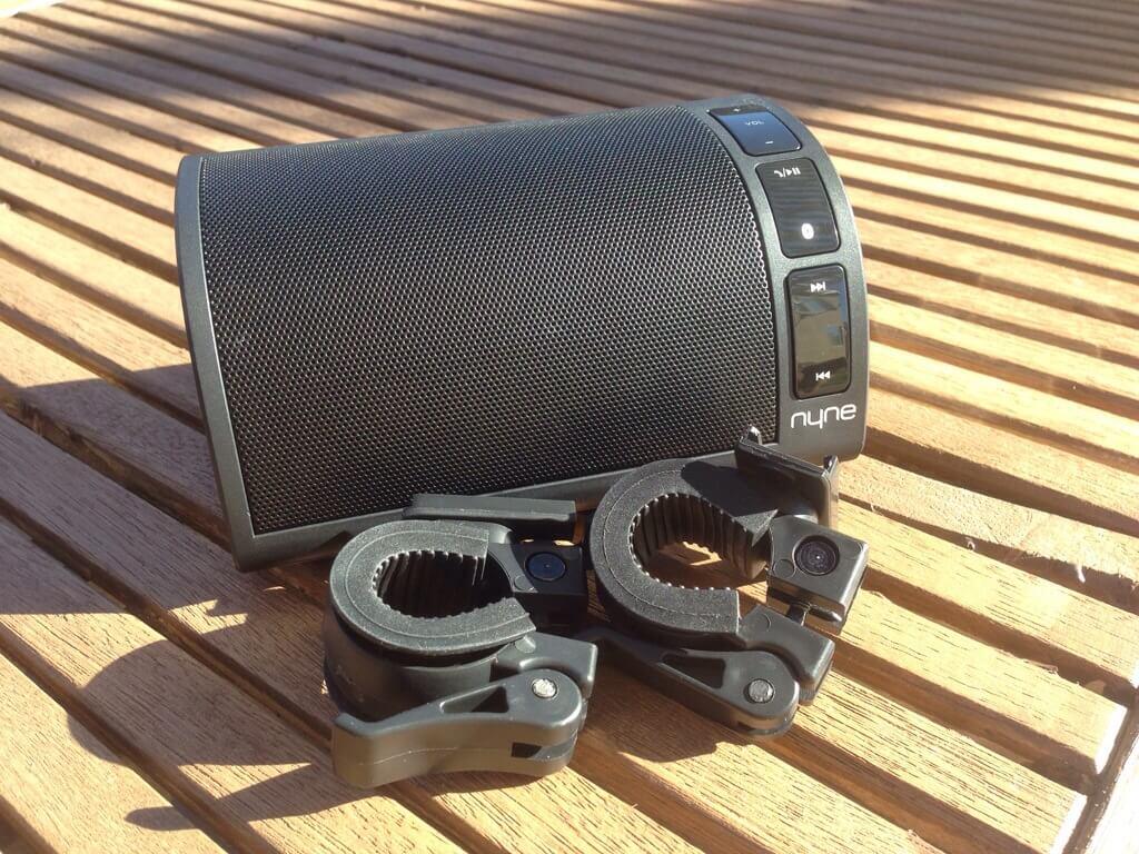 Nyne NB-200 speaker & clips