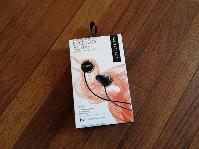 SOL REPUBLIC Relay headphones