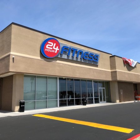 Exterior of the Mountain Vista 24 Hour Fitness location in Las Vegas, NV